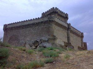 Замок в пос. Романы