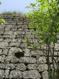 Остатки Гюлюстанской крепости в Шемахах