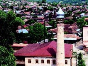 Гилейлинская мечеть в Шеки